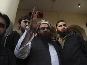 Hafiz Saeed calls Nawaz Sharif a 'traitor'
