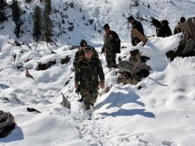 Kashmir: 5 soldiers missing after avalanche hits Gurez