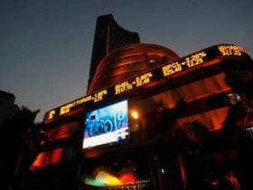 Sensex closes at two-month low of 33,774.66, down 236 points; metal, bank shares drag
