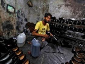 Govt okays Rs 2,600 cr package to leather, footwear industry for employment generation