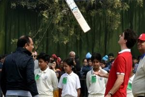 Justin Trudeau in India: Canadian PM plays cricket with Kapil Dev and Mohammad Azharuddin
