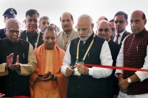 Uttar Pradesh Investors' Summit 2018: Narendra Modi lauds Yogi Adityanath govt for rolling out red carpet for investors