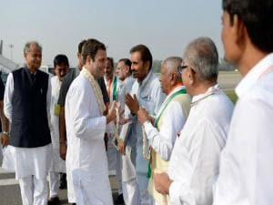 Rahul Gandhi arrives in north Gujarat for Navsarjan Yatra, offers prayer at Akshardham temple