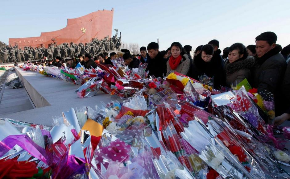 North Koreans gather at Mansu Hill, pay tribute to Kim Jong II on his sixth death anniversary