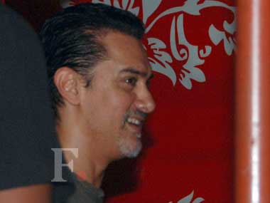 Snapped! Aamir Khan's new look - Is it for Dhoom:3?