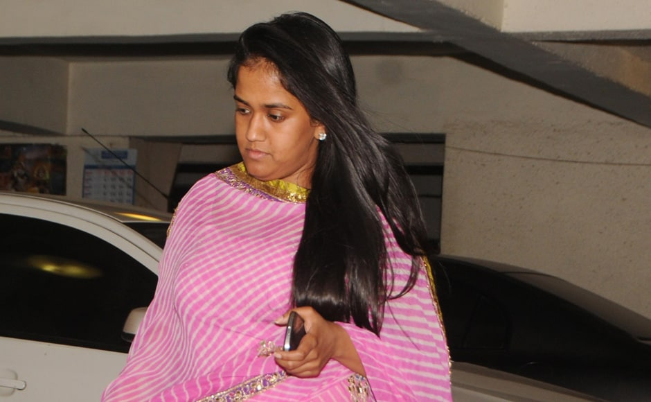 Arpita Khan visits Mona's residence to offer her condolences. Raju Shelar/Firstpost