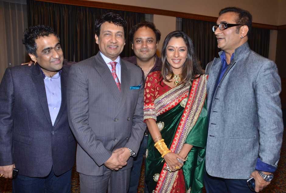 Kunal Ganjawala, Shekhar Suman, Raja Mukherjee, Rupali Ganguly and Abhijeet at the reception.