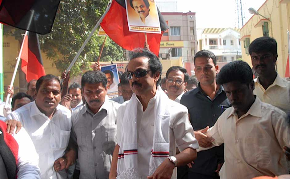 """MK Stalin courting arrest at Saidapet in the city as part of the DMK's """"Fill the Jail"""" agitation.. Firstpost"""