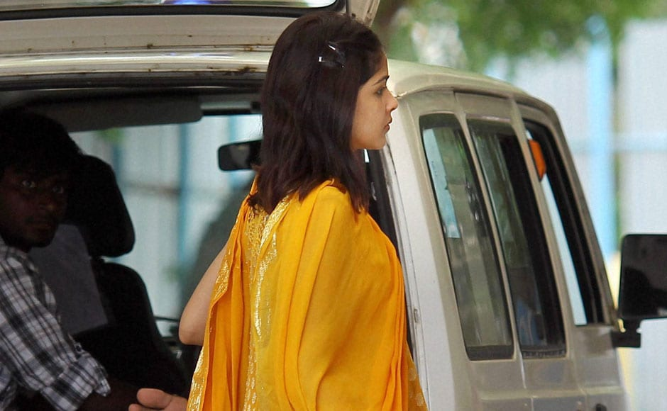 Vilasrao Deshmukh's daughter-in-law actress Genelia D'Souza arrives at the hospital. PTI