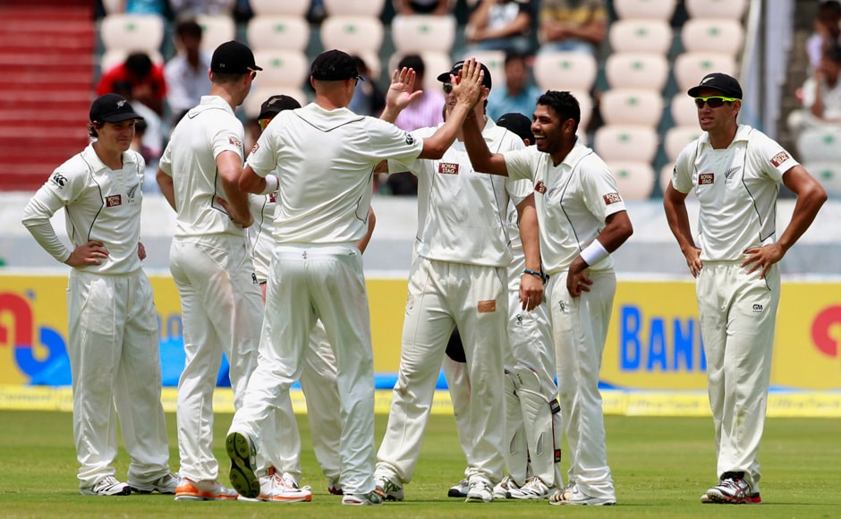 But New Zealand quickly started taking wickets. India's batsmen, assisted by a cameo from Ashwin, reached 438 runs. AP