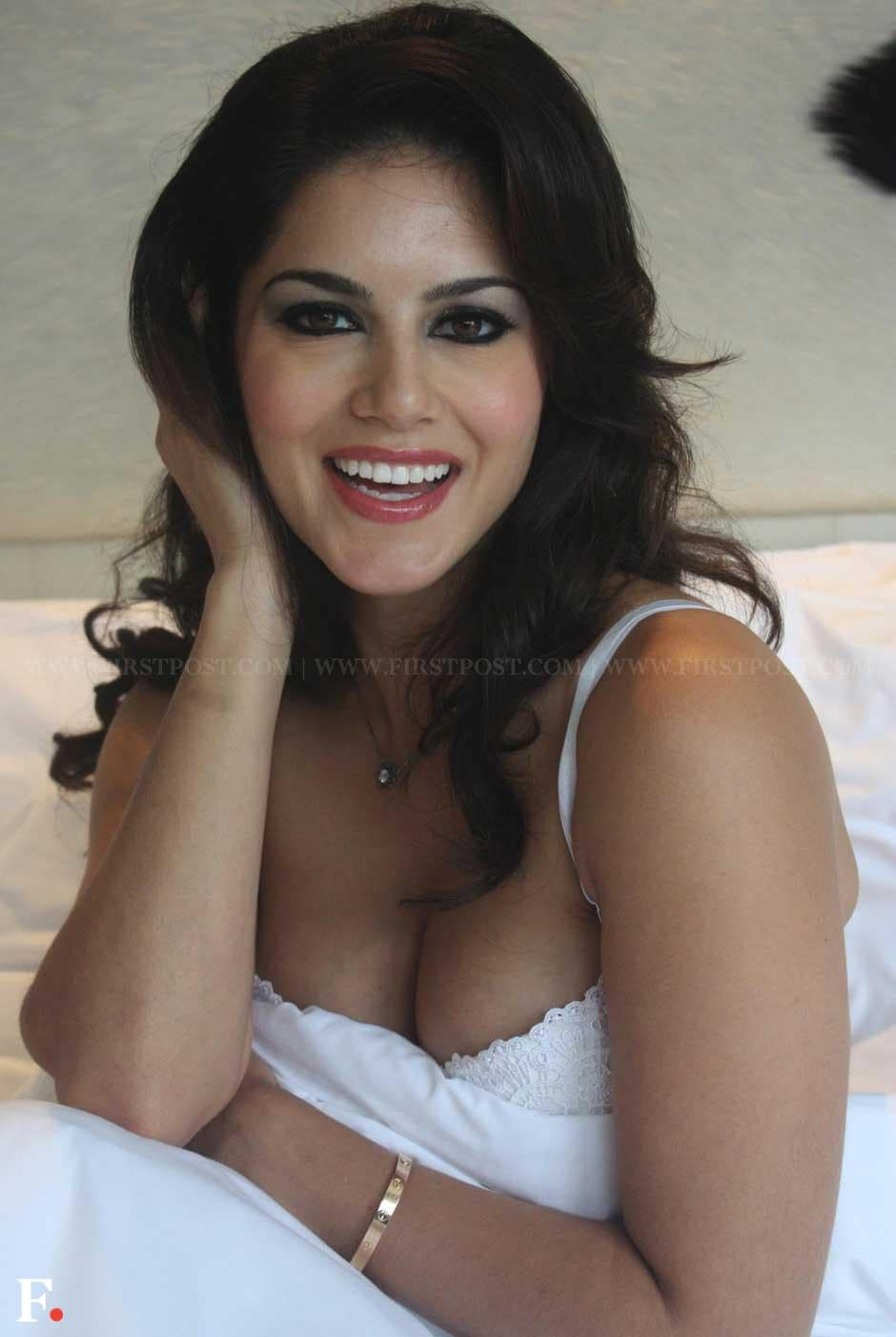 Sunny Leone poses while promoting her upcoming film 'Jism 2' at Le Meridian Hotel in New Delhi. Naresh Sharma/Firstpost