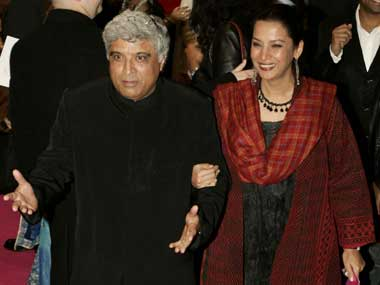 There's not a single romantic bone in Javed's body: Shabana