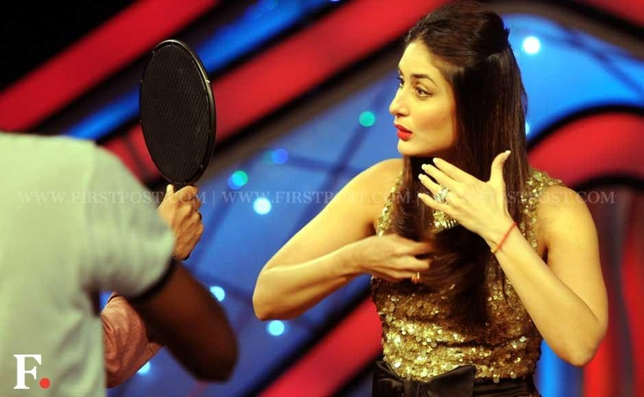 Kareena Kapoor touching up her make up on the sets of Dance ke Superstars. Sachin Gokhale/Firstpost