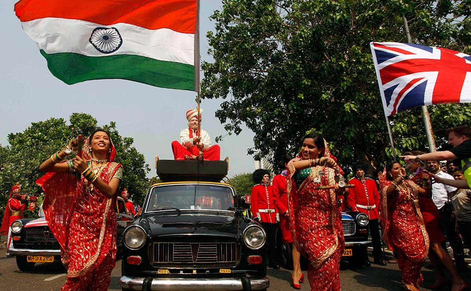 Images: Richard Branson does Indian style