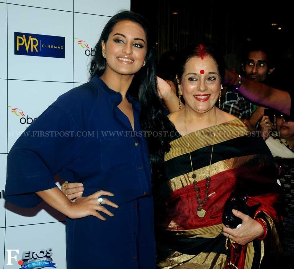 Sonakshi Sinha with Poonam Sinha at the premiere of  English Vinglish. Sachin Gokhale/Firstpost