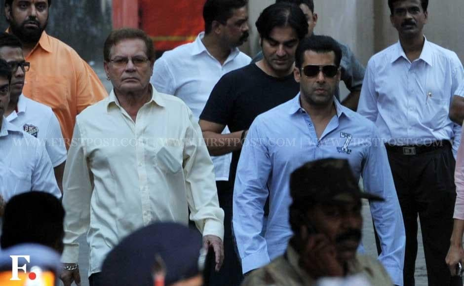 Salman Khan arrives at Matoshree to meet ailing Shiv Sena chief Bal Thackeray. Sachin Gokhale/Firstpost
