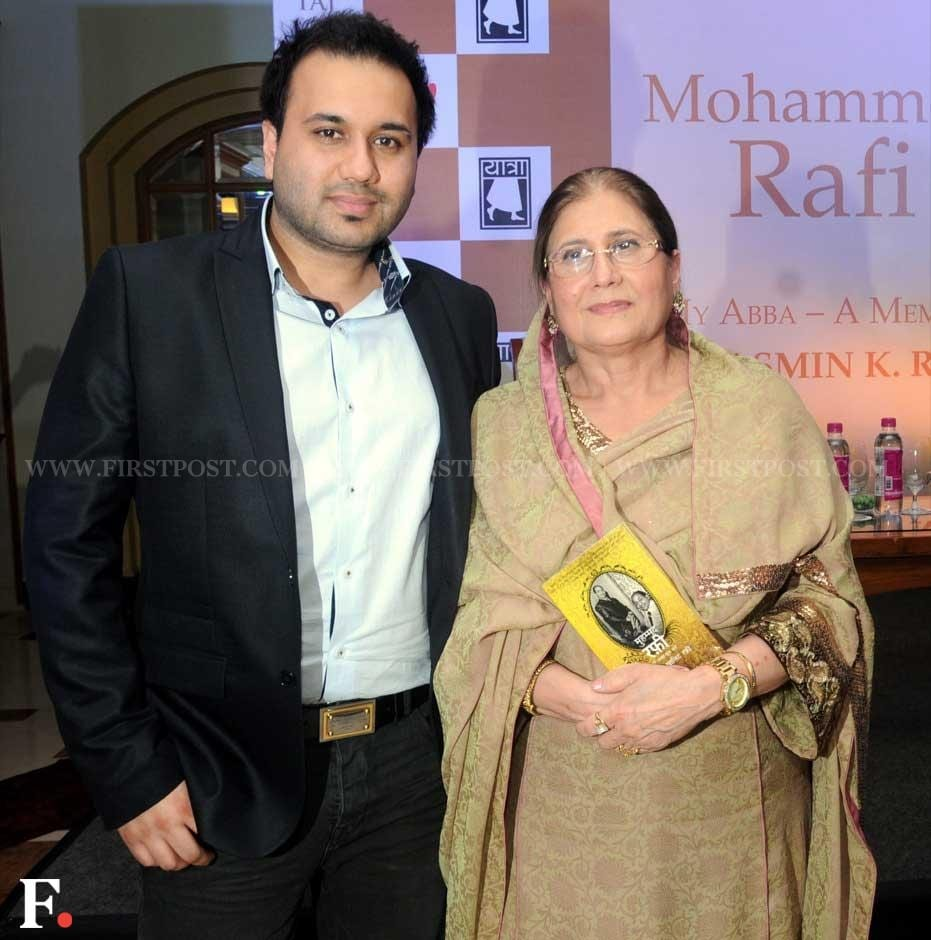 Mohammad Rafi's daughter-in-law Yasmin Rafi and his grandson Rashid. Sachin Gokhale/Firstpost