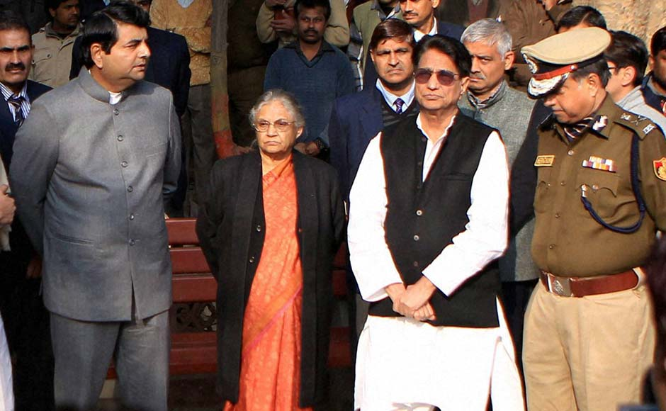 From left to right: MoS for Home RPN Singh,Delhi Chief Minister Sheila Dikshit, Union Minister Ajit Singh, and DelhiPolice Commissioner Neeraj Kumar during cremation of constable Subhash Chand Tomar in New Delhi.PTI