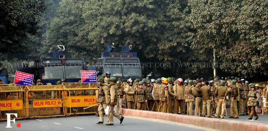 Police personnel were present in large numbers to control the protesters who were marching towards India Gate. Naresh Sharma/Firstpost