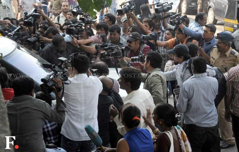 Media trying to catch a glimpse of Bollywood superstar Salman Khan on his birthday. Sachin Gokhale/Firstpost