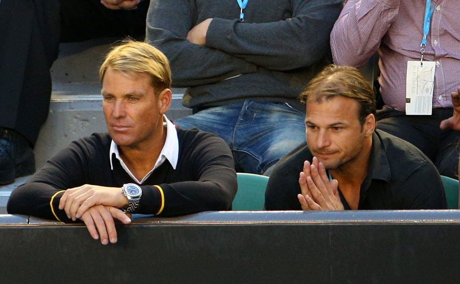 Images: Star-studded crowd watches Murray beat Federer