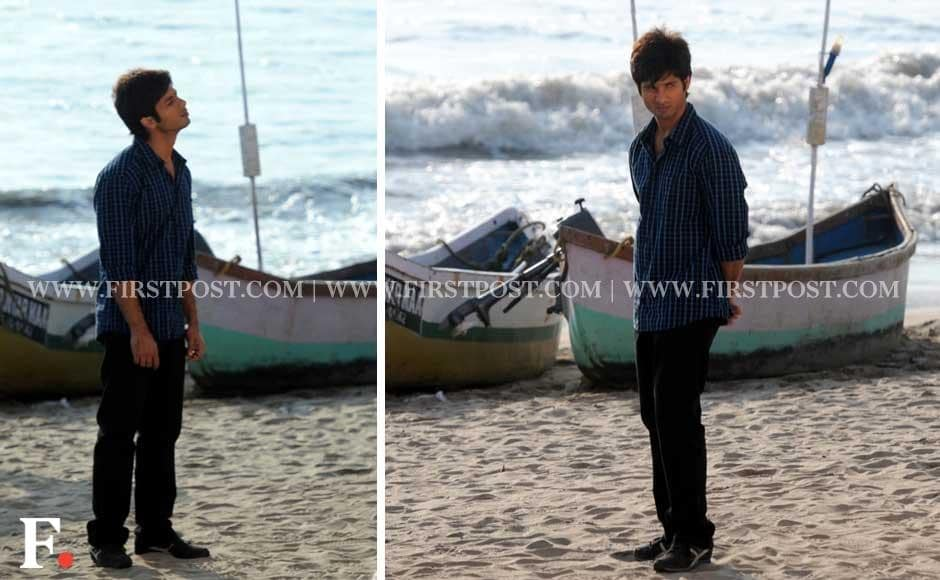 Shahid Kapoor shooting for his upcoming film Phata Poster Nikla Hero at Versova Beach in Mumbai. Sachin Gokhale/Firstpost
