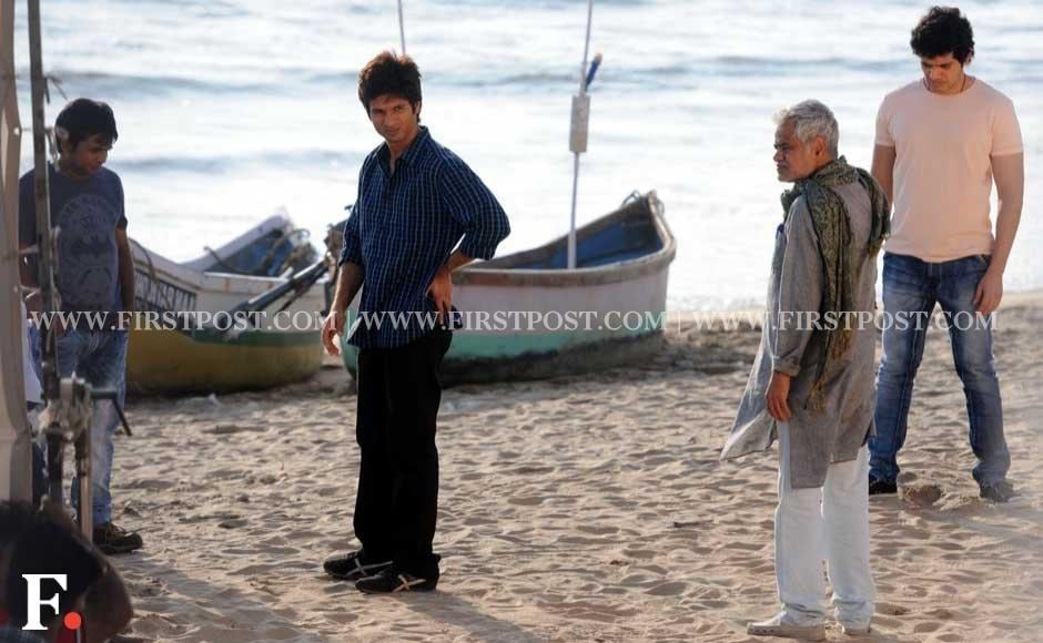 Shahid Kapoor shooting for Phata Poster Nikla Hero on Versova Beach, Mumbai.Sachin Gokhale/Firstpost