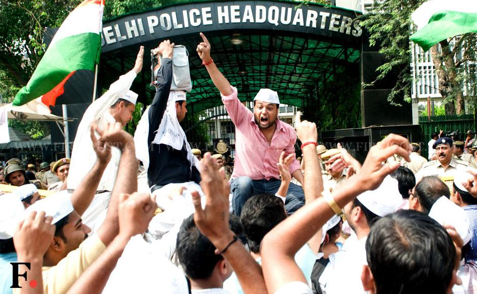 Protests erupted in Delhi today demanding justice for the five-year-old girl who was brutally raped and punishment for policemen for their insensitivity in dealing with the case. Protesters clashed with the police when they tried to break the barricades and enter into the police headquarters near the ITO in central Delhi where the main roads were closed to traffic.Naresh Sharma/ Firstpost