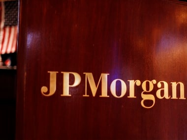 JPMorgan launches smartphone app to provide online banking facilities and attract new depositors