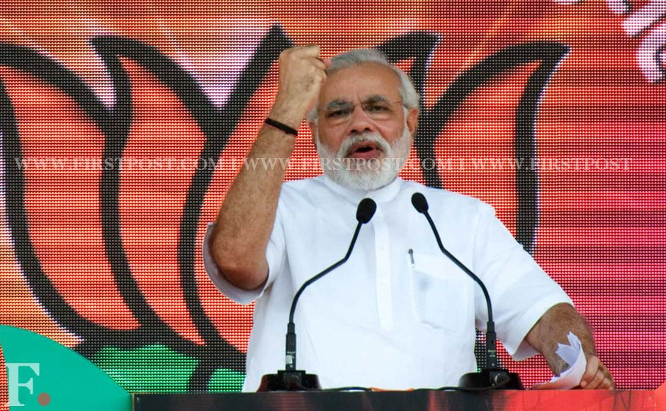 Narendra Modi's speech brought up issues like corruption of Congress, Pakistan as well as Rahul's comments on ordinance. Naresh Sharma/Firstpost.