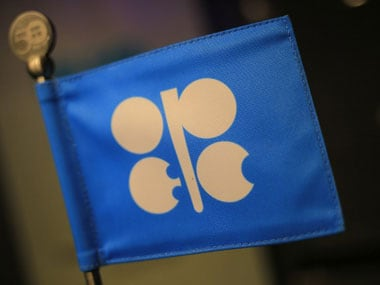 Saudi Arabia seeks extending cooperation between OPEC and non-OPEC oil producers to shore up crude prices