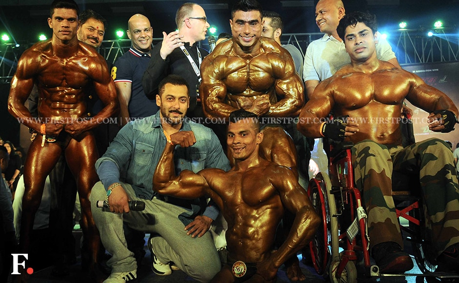 Salman Khan poses with the participants of the body building competition at Body Power Expo, Mumbai. Firstpost/Sachin Gokhale
