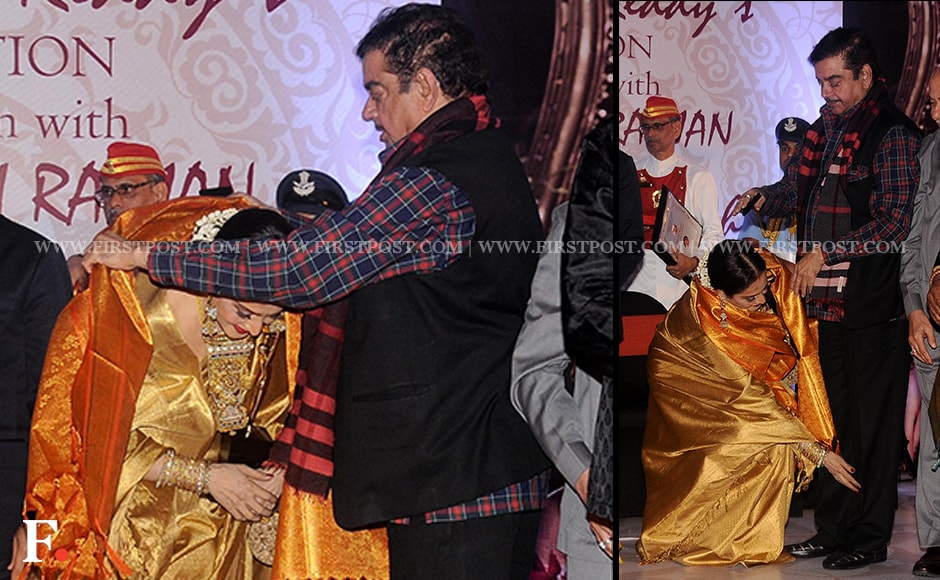 Shatrughan Sinha drapes the award shawl on Rekha. The two veteran actors starred together in several films including Khoon Bhari Maang and Jaani Dushman. Firstpost/Sachin Gokhale