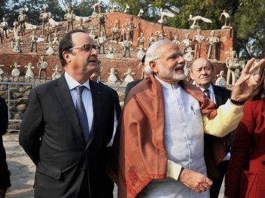 Hollande-Modi-PTI-380