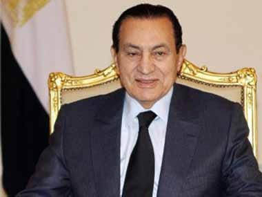 (FILE) A picture dated October 19, 2010 shows Egyptian President Hosni Mubarak during a meeting in Cairo AFP PHOTO