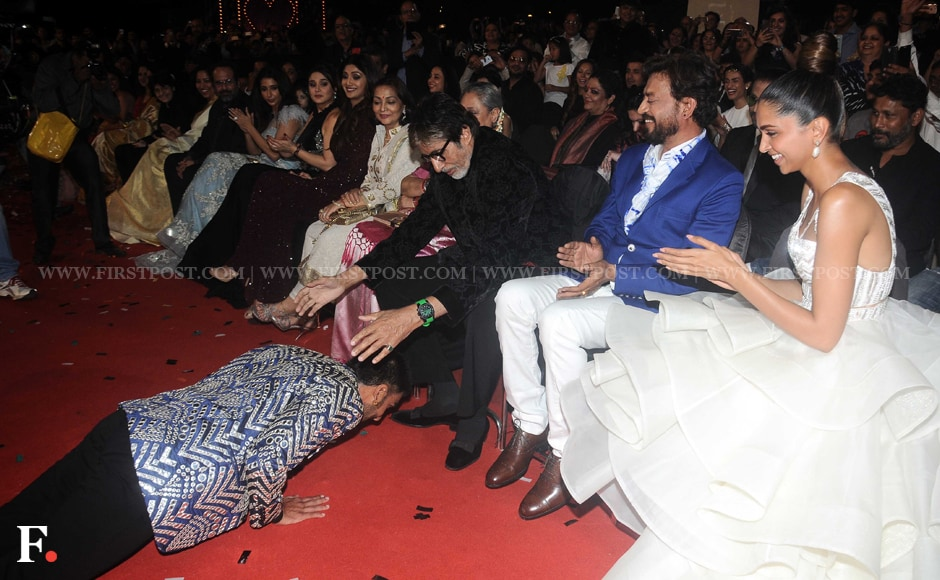 Ranveer Singh seeks Amitabh Bachchan's blessings even as Irrfan Khan and Deepika Padukone can't stop laughing. Sachin Gokhale/Firstpost