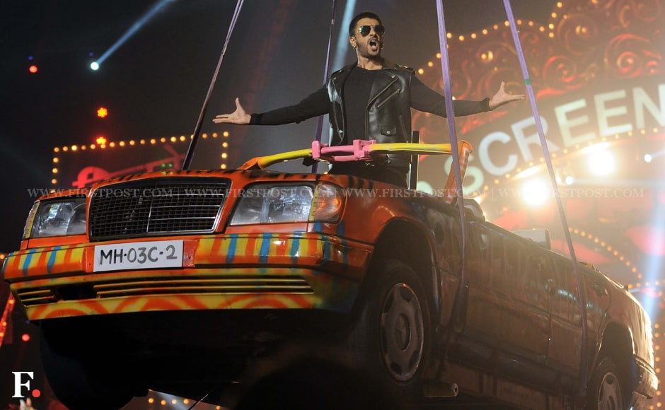Ranveer Singh makes a grand entry on stage at the Star Screen Awards. Sachin Gokhale/Firstpost