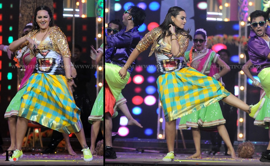 Sonakshi Sinha rocks a lungi on stage at the Star Screen Awards. Sachin Gokhale/Firstpost