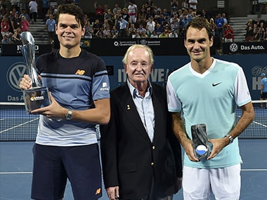 Australian tennis legend Rod Laver poses with Brisbane International winner Milos Raonic and runner-up Roger Federer. AFP