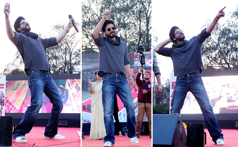 Shah Rukh Khan during the promotion of his upcoming film 'Fan' at Hans Raj College in New Delhi. (Jyoti Kapoor/SOLARIS IMAGES)