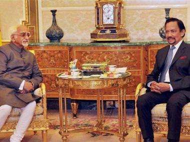 Vice-President Hamid Ansari with Sultan of Brunei, Haji Hassanal Bolkiah Mu'izzaddin Waddaulah at a meeting in Bandar Seri Begawan, Brunei on Tuesday. PTI