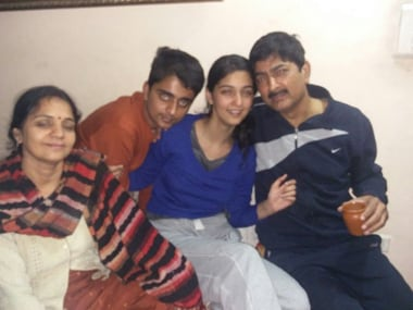 Dipti Sarna with her family. Image courtesy: ANI @twitter