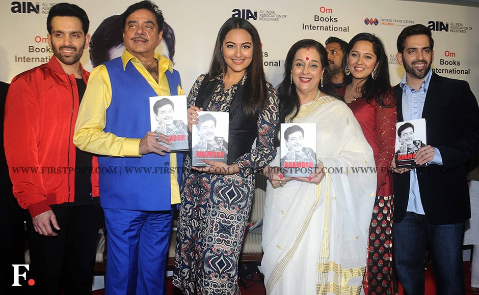 Shatrughan Sinha poses for photographers with members of his family , including wife Poonam Sinha, daughter Sonakshi Sinha and sons Luv and Kush Sinha. Others present at the event were Ramesh Sippy, Ronit Roy and Nitin Mukesh. Sachin Gokhale/ Firstpost