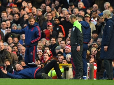 And the Oscar goes to: Louis van Gaal delights fans with touchline tumble, becomes a meme