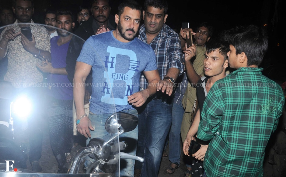 Salman Khan walks on the streets of Bandra, Mumbai. Sachin Gokhale/Firstpost
