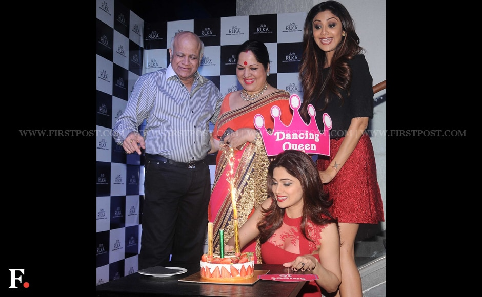 Birthday girl Shamita Shetty cuts a cake on her birthday. Sachin Gokhale/Firstpost