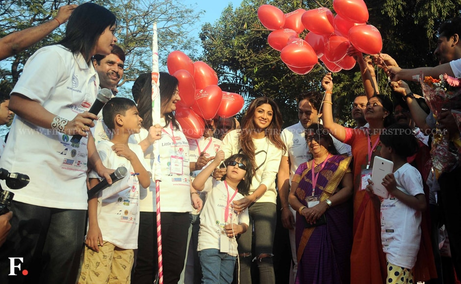Shilpa Shetty poses with the children. Sachin Gokhale/Firstpost