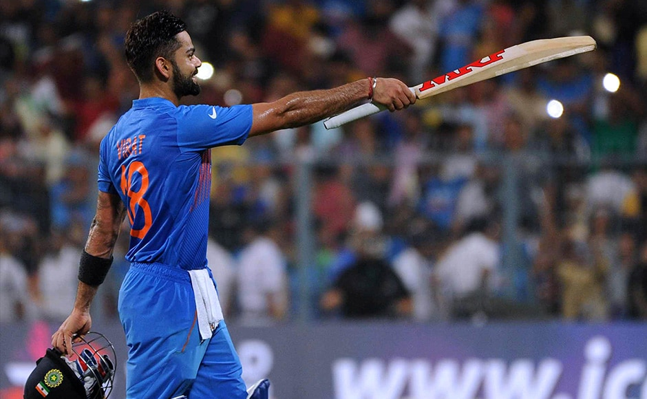 Virat Kohli walked off the a standing ovation and he received a grand reception from the Master Blaster - Sachin Tendulkar from the stands. Solaris