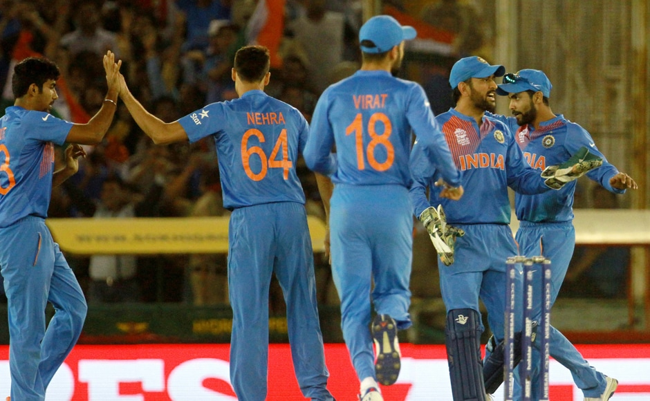 Indian players celebrates the wicket of Australian player Usman Khawaja who raced his way to 26 off 16 in the Powerplay. Solaris Images