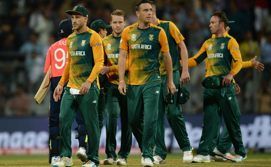 South Africa captain Faf du Plessis and team react after losing. Getty Images